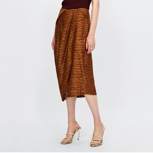 Zara NWOT Pleated jacquard skirt M